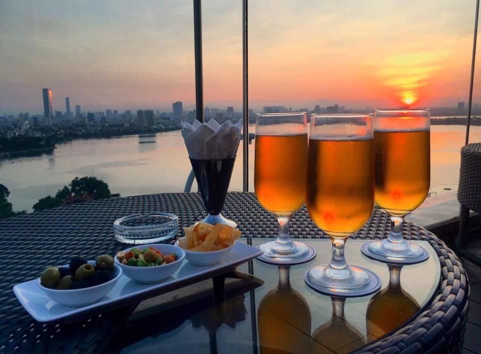 Ngắm Hoàng Hôn Tại Top 7 Quán Cafe Sân Thượng Hà Nội Này