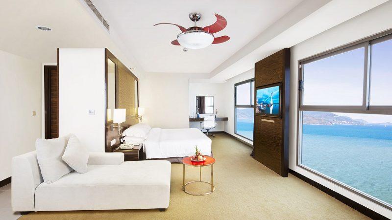 khách sạn 4 sao đường trần phú