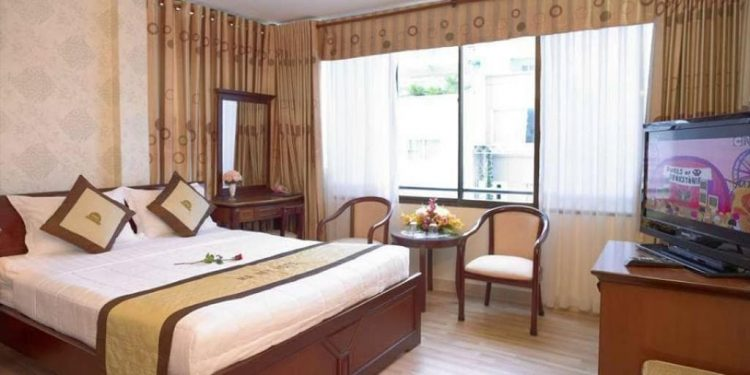 khách sạn nha trang đường nguyễn thiện thuật