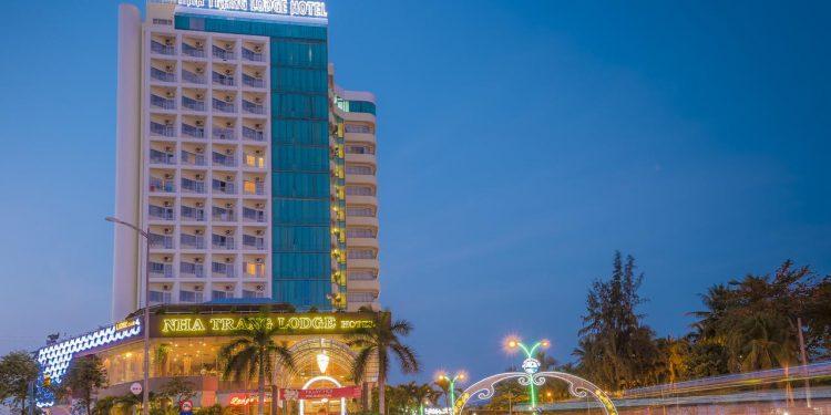 khách sạn nha trang đường trần phú