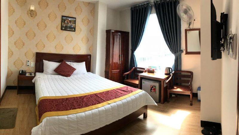 khách sạn quy nhơn gần bãi tắm hoàng hậu
