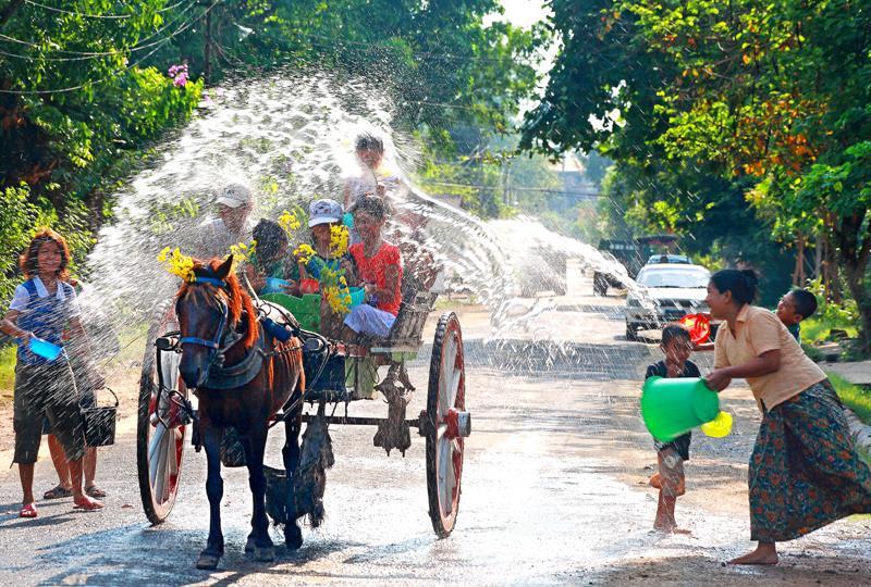 lễ hội lớn ở myanmar