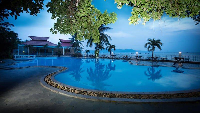 resort quy nhơn gần biển