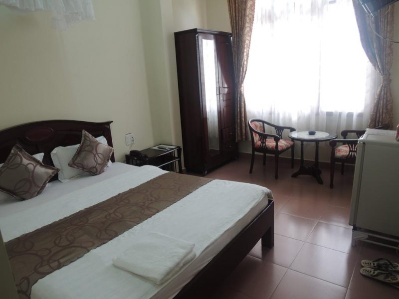 khách sạn đường hồ tùng mậu đà lạt