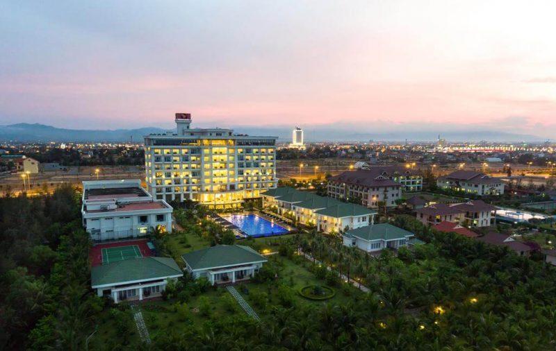 khách sạn quảng bình gần biển