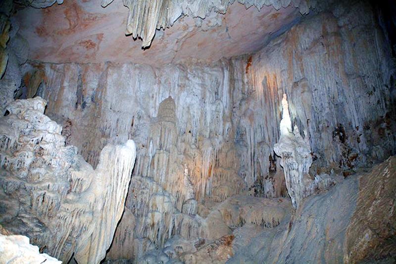 hang động ở Hạ Long