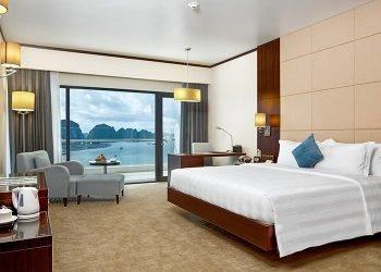 Khách sạn view đẹp Bãi Cháy