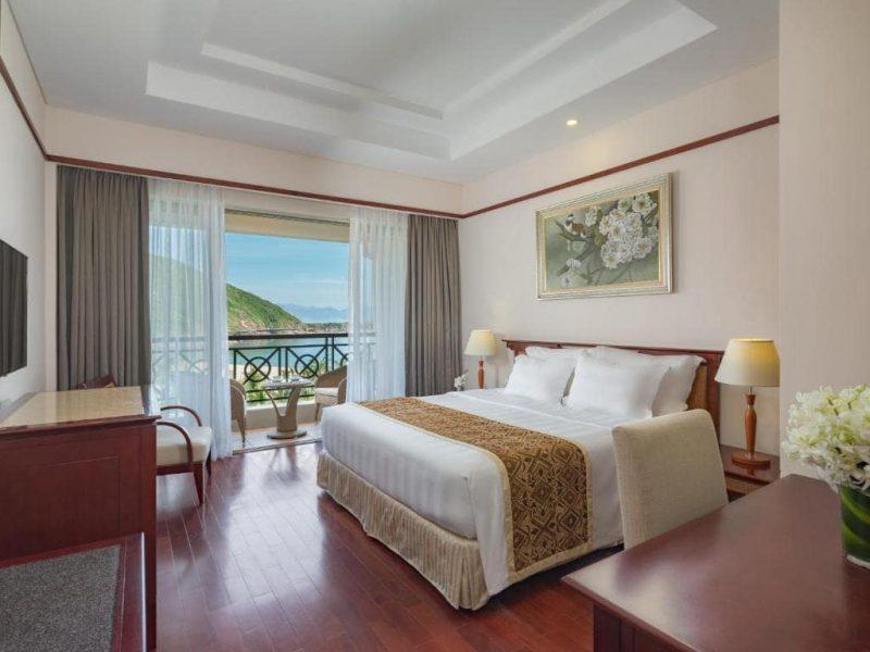 review vinpearl resort nha trang