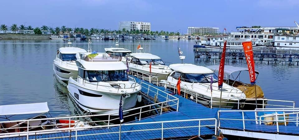 Tour Hạ Long Bằng Thủy Phi Cơ Và Du thuyền 1 Ngày