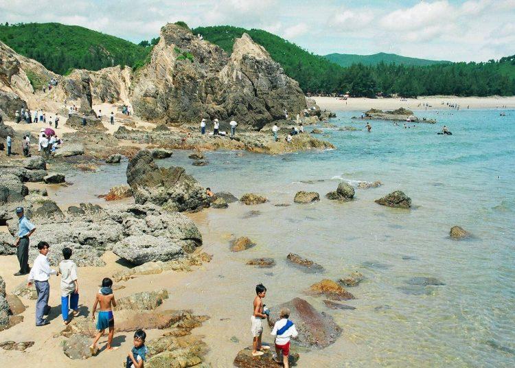 Hình ảnh bãi tắm Đá Nhảy Bãi biển ở Quảng Bình