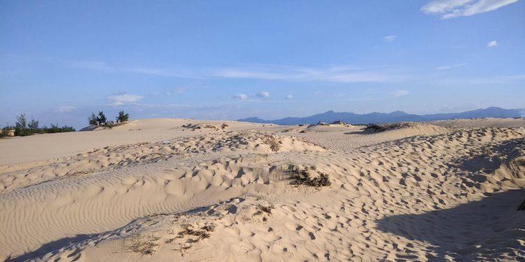 Vui chơi giải trí ở Quảng Bình Đồi cát Nhân Trạch