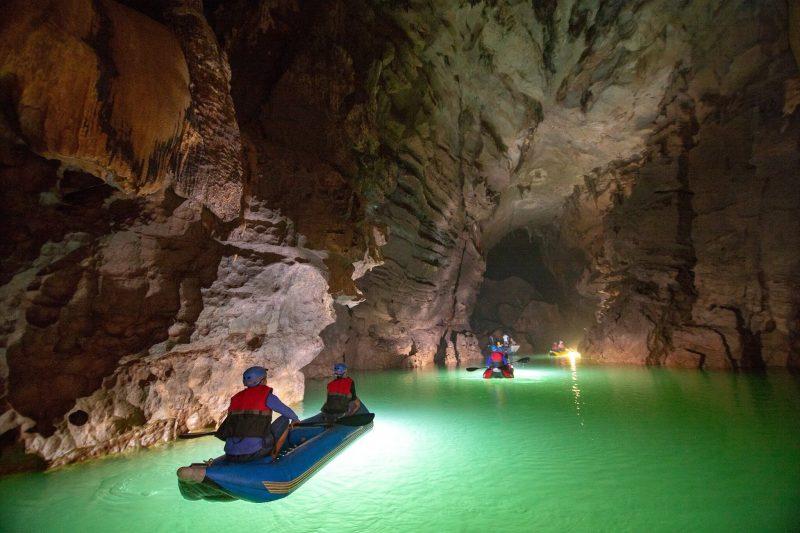 tour động phong nha suối nước moọc