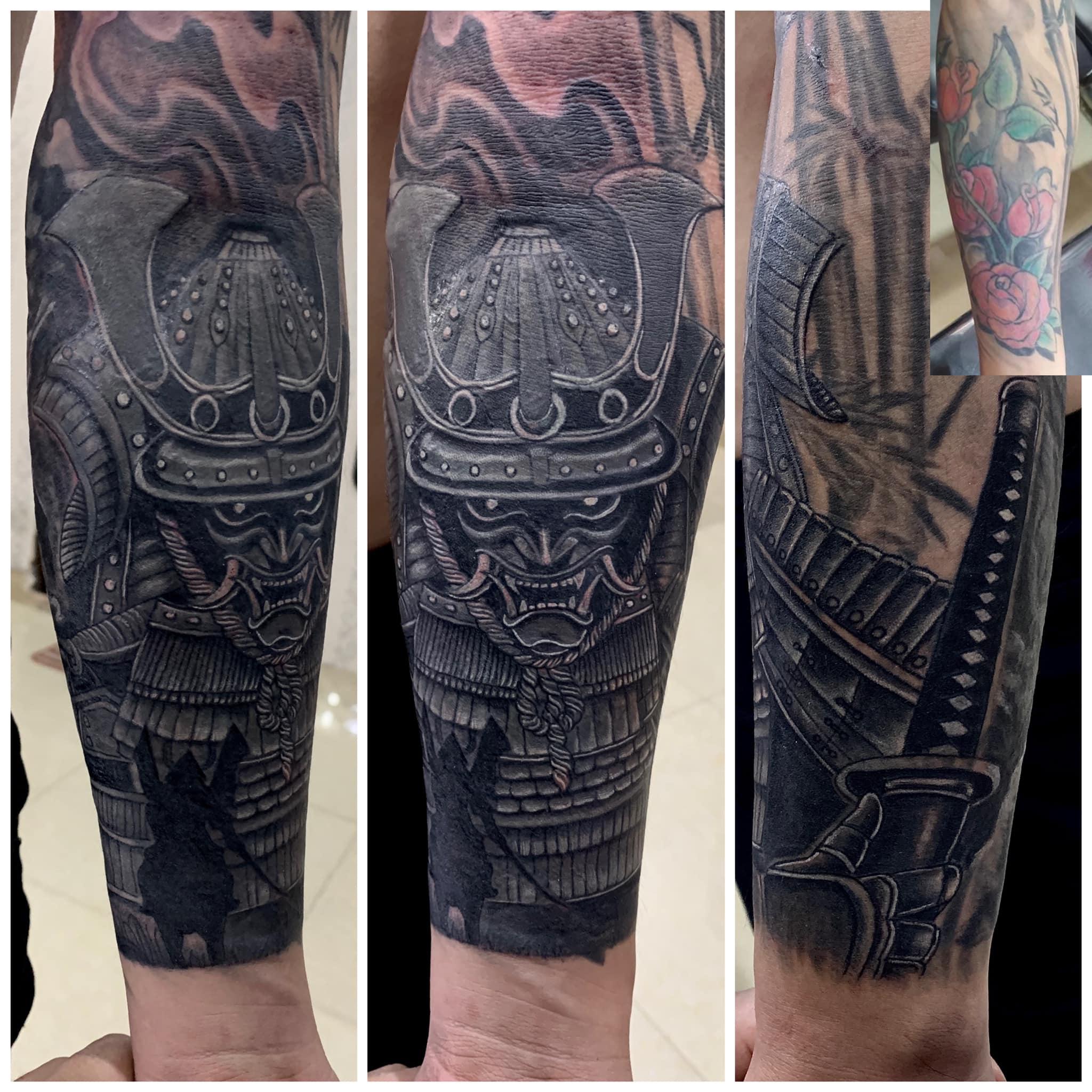 Tattoo Tiến Black