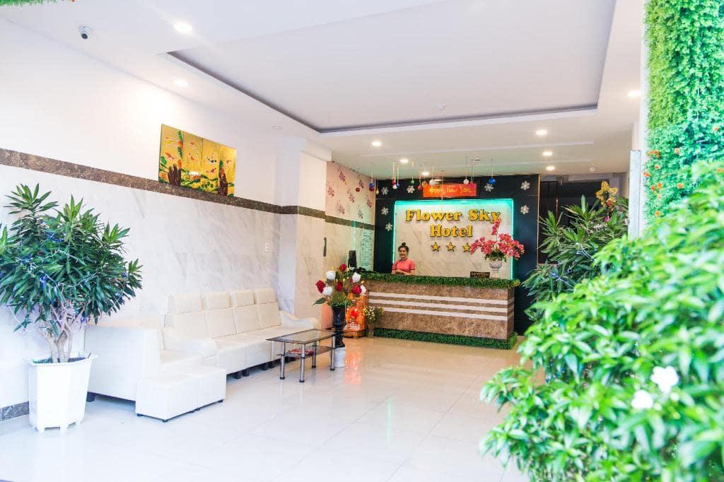 Khách Sạn Nha Trang Có Bãi Biển Riêng - Flower Sky Hotel Nha Trang