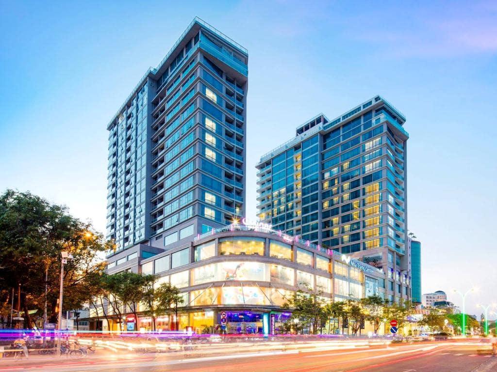 Khách Sạn Nha Trang Có Bãi Biển Riêng - Diamond Bay Condotel - Resort Nha Trang