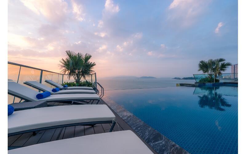 Khách Sạn Nha Trang Có Bãi Biển Riêng - Royal Beach Boton Blue Hotel & Spa