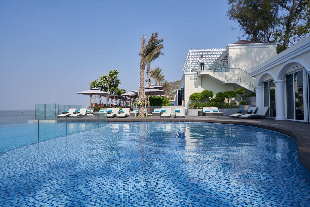 Resort Vũng Tàu Có Hồ Bơi Sát Biển