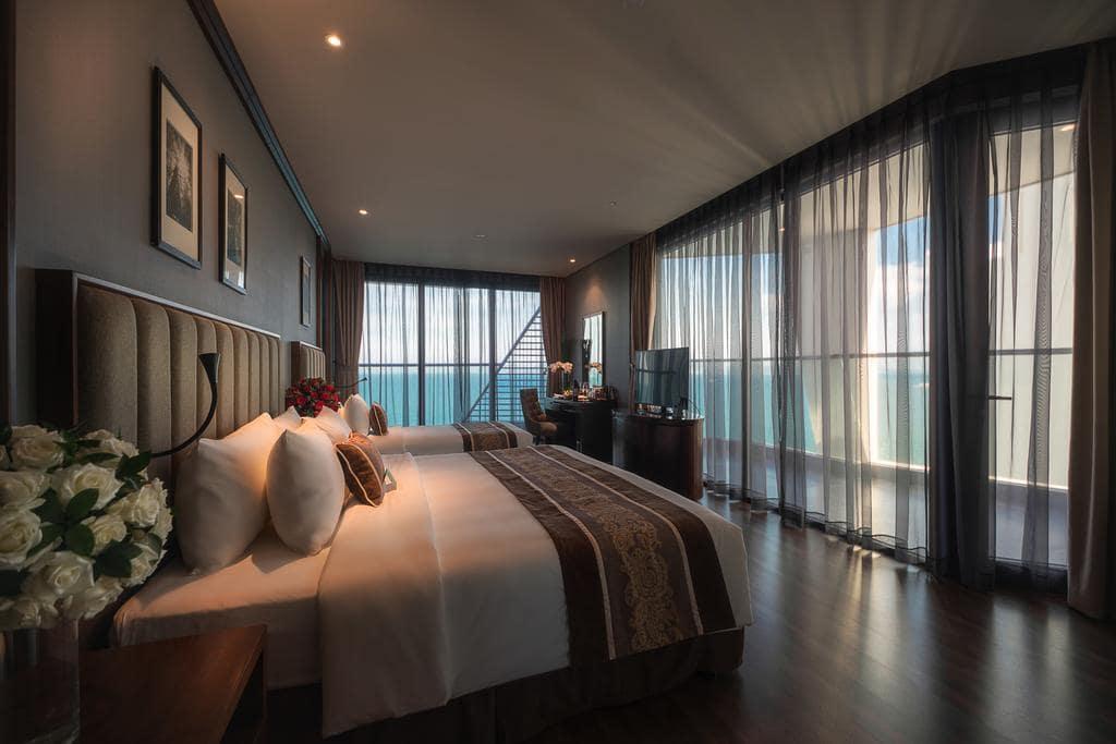 Khách Sạn Nha Trang Có Bể Bơi Vô Cực - Royal Beach Boton Blue Hotel & Spa Nha Trang