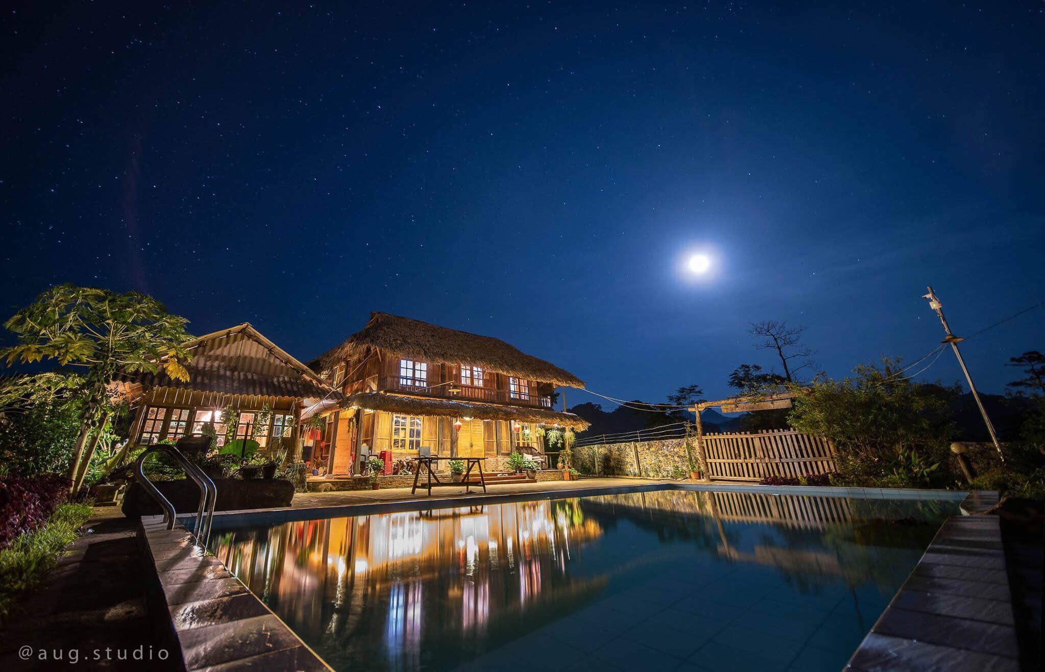 villa hoà bình có bể bơi