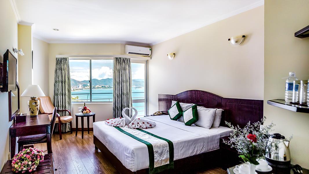 Khách Sạn Nha Trang Mặt Biển - Nha Trang Lodge Hotel