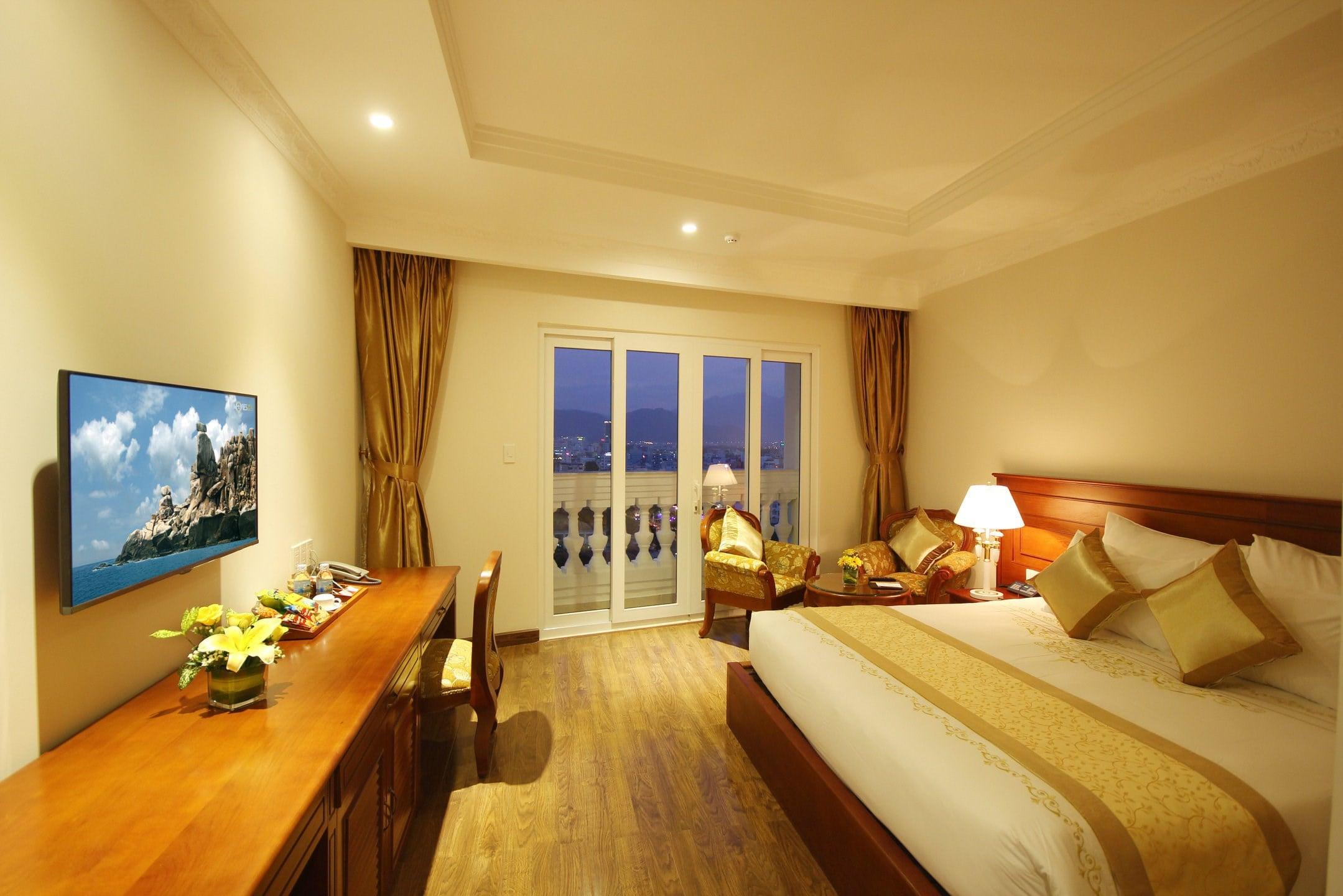 Khách Sạn Nha Trang Hướng Biển - Nha Trang Palace Hotel