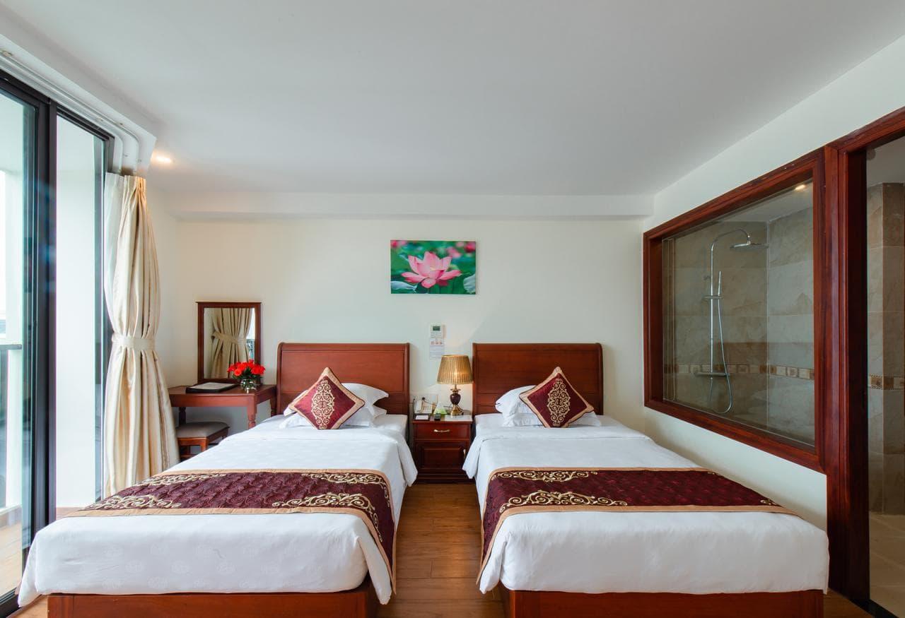 Khách Sạn Nha Trang Gần Biển - Red Sun Nha Trang Hotel