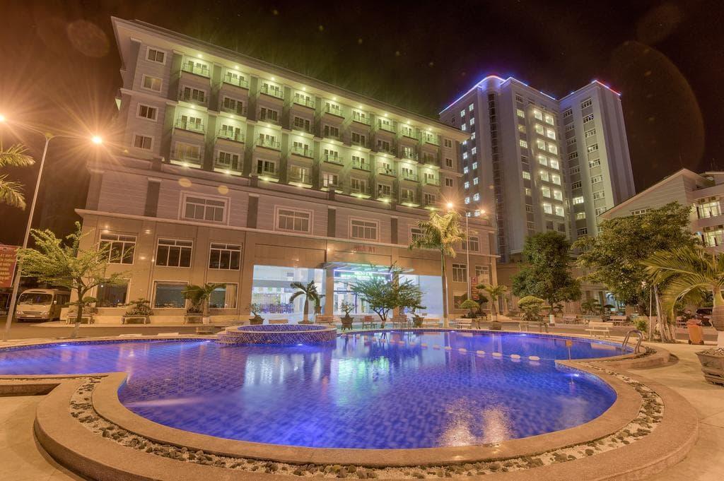 Khách Sạn Nha Trang Gần Biển - Sky Beach D20 Nha Trang