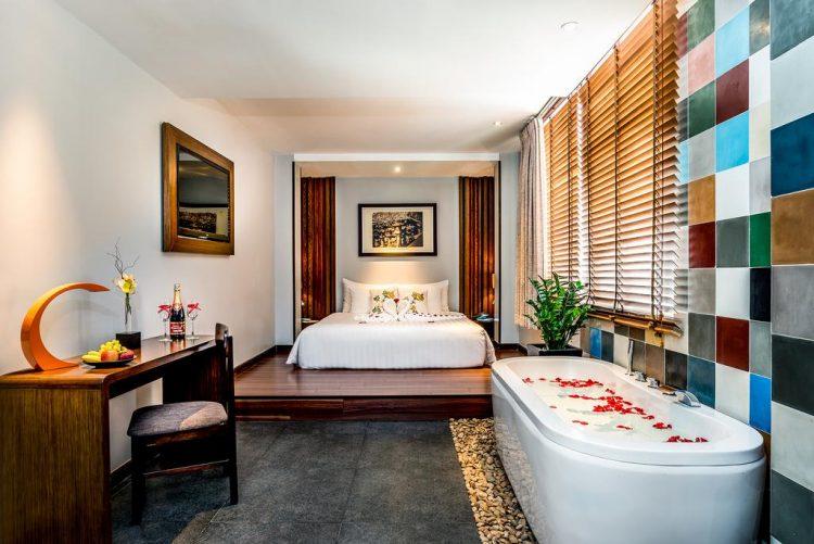 Khách sạn 4 sao trung tâm Sài Gòn