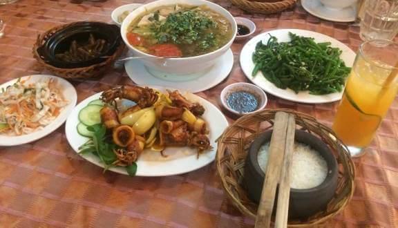 quán cơm Nha Trang
